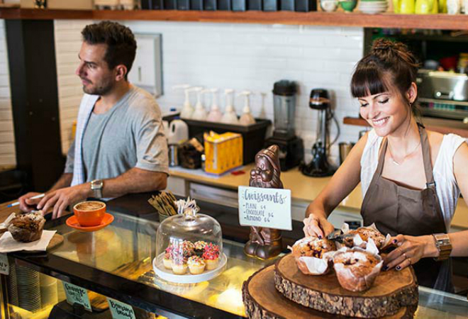 couple-small-business-coffee-shop-cafe