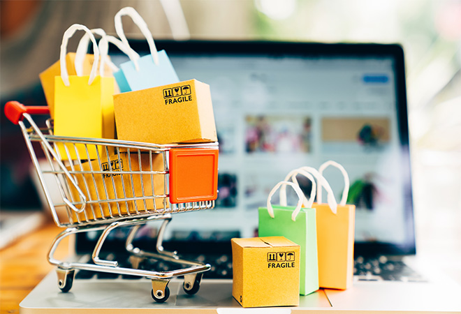 Online shopping set to grow as Aussies accumulate debt for purchases